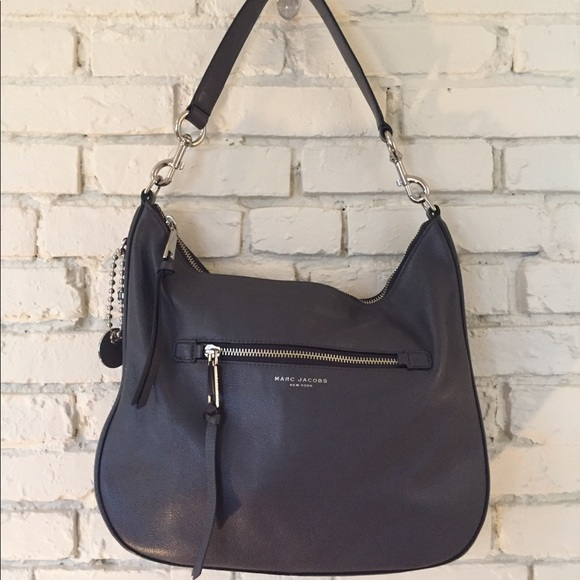 8259eba30ecb Marc Jacobs Leather Bag - Recruit Hobo- Like New! M 5b81c8a6d8a2c795e4119219